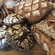 La journée du Pain – Des Pains, Des boulangers  & des Livres – «Je ne mangerai pas de ce pain-là», «Le Pain & Le Vin» des livres qui célèbrent le pain