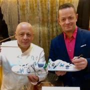 Brèves de Chefs – Chef et Star sur Instagram, Yannick Le Callet personnalise des chaussures pour les chefs, Alan Geaam version Street Food Libanaise c'est pour bientôt, 100 ans pour La Foucette des Ducs du chef Nicolas Stamm, ….