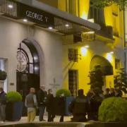 Le Four Seasons George V à Paris braqué ce soir par 2 malfaiteurs, préjudice estimé : 100 000 euros