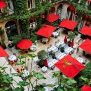 Palace côté Cour et Côté Jardin – La Cour Jardin du Plaza Athénée à re-découvrir dès le 19 mai