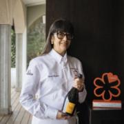 Isa Mazzocchi gagne le prix Chef femme de l'année 2021 décerné par le Guide Michelin Italie et Veuve Clicquot