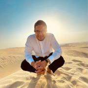 Scènes de Chefs – Akrame dans le désert, Alléno et ses «Family burger», C. Le Squer réouvre au GV le 8 septembre, Victor Beley prépare le Bocuse d'or, Alain Pégouret chez Noilly Prat, Christian Constant au Portugal, Surf pour Grégoire Berger, ….