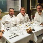 Avant qu'il ne passe la main du Café Constant à Cyril Lignac, le chef Christian Constant réunit ses anciens équipiers devenus célèbres pour cuisiner tout le mois de septembre