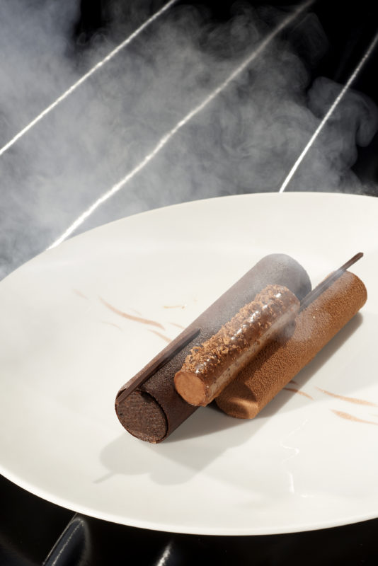 L'attribut alt de cette image est vide, son nom de fichier est Chocolat-fume-Credits-Mathilde-de-lEcotais-2-534x800.jpg.