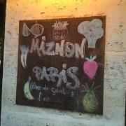 Miznon Paris – Une cuisine avec du soleil à l'intérieur !