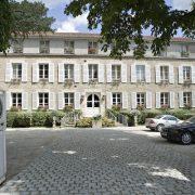 A. Ducasse et ses partenaires reprennent L'Espérance à Vezelay, établissement historique de Marc Meneau