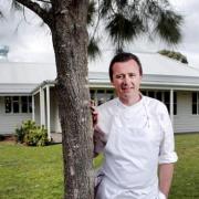 Dan Hunter chef, fermier, jardinier dans son restaurant BRAE – Le Passard d'Australie