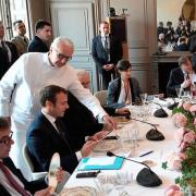 Vladimir Poutine et Emmanuel Macron à la table d'Alain Ducasse