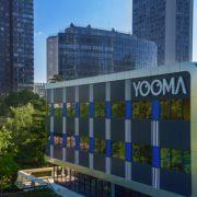Ora Ïto et Daniel Buren signe Yooma – Refuge Urbain – hôtel nouvelle génération à Paris
