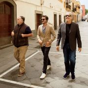 Les chefs Éric Ripert, josé Andrès et l'acteur Diego Luna en Andalousie