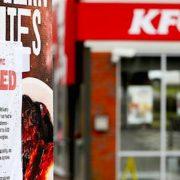 Pénurie de poulet au Royaume-Unipour KFC – l'enseigne ferme momentanément ses restaurants