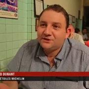 Quand Arnaud Dunant 2 étoiles au Normandy à Bangkok, va goûter la cuisine de Jay Fai la seule chef étoilée version street food