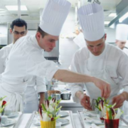 Cuisiniers et Métiers de la restauration – classés comme métiers les plus pénibles en France