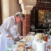 Alain Passard cuisinait aujourd'hui les légumes de son jardin en Normandie