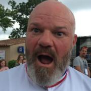 48 heures avec le chef Philippe Etchebest aux Étoiles de Mougins 2018 – Les photos sans cauchemar en cuisine
