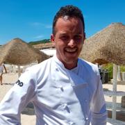 Marco Mainardi – chef du restaurant Fino Beach dans le Golfe d'Aranci – cuisine de la mer à l'assiette