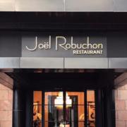 Joël Robuchon quitte Singapour, du coup 3 et 2 étoiles Michelin vont quitter son palmarès de chef le plus étoilé du monde