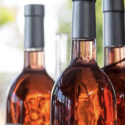 Quand le vin rosé espagnol se fait passer pour du vin français, fraude à grande échelle