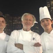 Scènes de Chefs – Pierre Gagnaire à Hong Kong, Nobu en séance de méditation, Guillaume Galliot retrouve Christophe Lerouy à Singapour, …