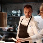 Brèves de chefs – Frédéric Duca en soft Oppening de Rooster à Paris, La Playmobil du chef Georges Blanc, Guillaume Gomez sert un dîner pour 1250 soldats, …