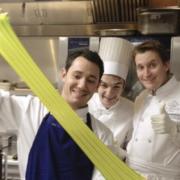 Scènes de Chefs – Trio de chef chez Akrame, Julien Gatillon reçoit Christian Le Squer à Megève, David Bizet en scène, …