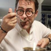 Michel Sarran jury de Top Chef – » peut-être qu'un jour, la chaîne aura envie de changer le jury. Mais cela ne nous appartient pas, c'est la télé «