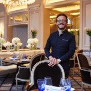 Simone Zanoni – interview pour F&S au George V : «les palaces n'ont plus envie d'avoir des chefs qui ne sont pas rentables. À mon sens, la rentabilité du restaurant fait aussi partie du poste de chef.»