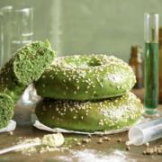 Et si les pâtisseries au cannabis devenaient une mode en France ?  Dans cette journée mondiale du cannabis, une franchise de Bagels en met en vente aujourd'hui