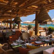 Avec la signature de Philippe Starck un vent nouveau souffle sur la plage de Pampelonne – Ouverture de La Réserve à la Plage jeudi dernier