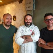 Nicolas Isnard cuisine à Singapour aux fourneaux du restaurant Lerouy