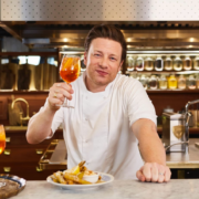 25 des restaurants du chef Jamie Oliver en UK sont en dépôt de Bilan