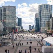 29 millions de repas servis chaque année dans le quartier de La Défense à Paris, mais aussi entre 5 et 9 tonnes de nourriture jetées tous les jours