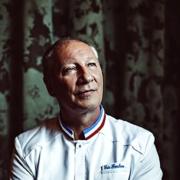 Éric Fréchon : le plat dont il est le plus fier : son poireau brûlé aux huîtres
