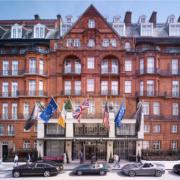 Le Claridge's à Londres maintient l'ouverture du restaurant » Davies and Brook «, malgré la séparation du chef Humm et de son associé Will Guidara