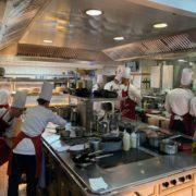 À l'improviste la table du chef Marc Haeberlin dans les cuisines de l'Auberge de l'Ill