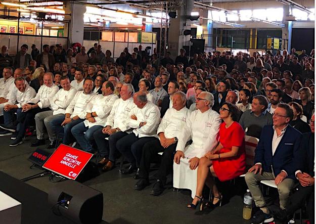 nombreux chefs dans le public