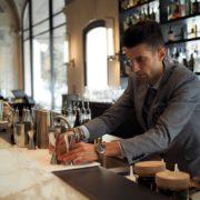 Paris: le Lutetia fait swinguer son bar– on a échangé avec le chef barman Nicola Battafarano