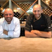 Les chefs Julien Lavigne et Bertrand Dubois fêtent les 5 ans du Café Français à Colombo
