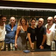 Scènes de chefs – Yoann Conte aux Maldives, C. Bacquié à Tokyo, Alex Atala à Barcelone, Stephan Paroche à Saigon, Georges Blanc à Singapour,…