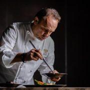 Le chef Thierry Drapeau ouvre » Cheval Blanc » à Phnom Penh au Cambodge