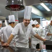 Brèves de Chefs – Rumeur avant la sortie du guide Michelin France 2020, Christophe Roure réunit ses maîtres, Cédric Moulot réouvre Au Crocodile,  le classement des meilleures galettes des Rois de Paris, …