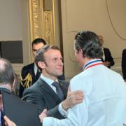Le Président Emmanuel Macron a remis les insignes de Chevalier de la Légion d'Honneur au chef Christophe Bacquié