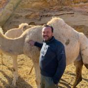 Emmanuel Renaut depuis le site de la cité nabatéenne d'Hegra à Al Ula en Arabie Saoudite