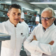 Alain Ducasse : l'homme, l'entrepreneur, le chef. Une interview F&S à Londres, au 3 étoiles tout juste rénové du chef