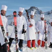Scènes de Chefs – Anne-Sophie Pic en Arabie Saoudite, Cyril Lignac à Londres avec sa team, Jean Sulpice sur les pistes de Chamonix, Yoann Conte dans sa cuisine, …