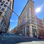 New York et Los Angeles ferment leurs restaurants, bars et discothèques