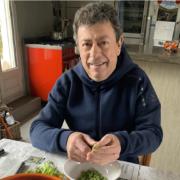 Scènes de Chefs – Michel Sarran donne son sang, André Chiang sous l'objectif, Christian Constant cuisine à la maison, Pierre Augé organise des livraisons, …