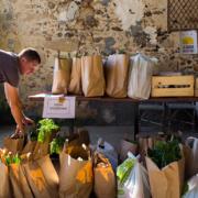 En ces temps difficiles pour l'agriculture, les Français plébiscitent les circuits courts et le bio