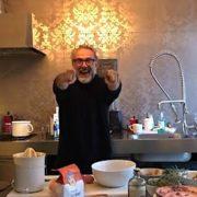 Le chef Italien Massimo Bottura lance «Kitchen Quarantine», une émission culinaire sur Instagram TV