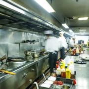 Préparer la reprise pour les cafés et restaurants – voilà les pistes de travail pour la réouverture – l'annonce d'une date devrait être faite la 1ère semaine de mai